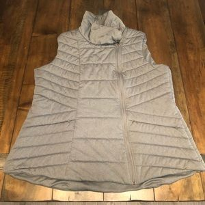Calia by Carrie Underwood Gray Vest